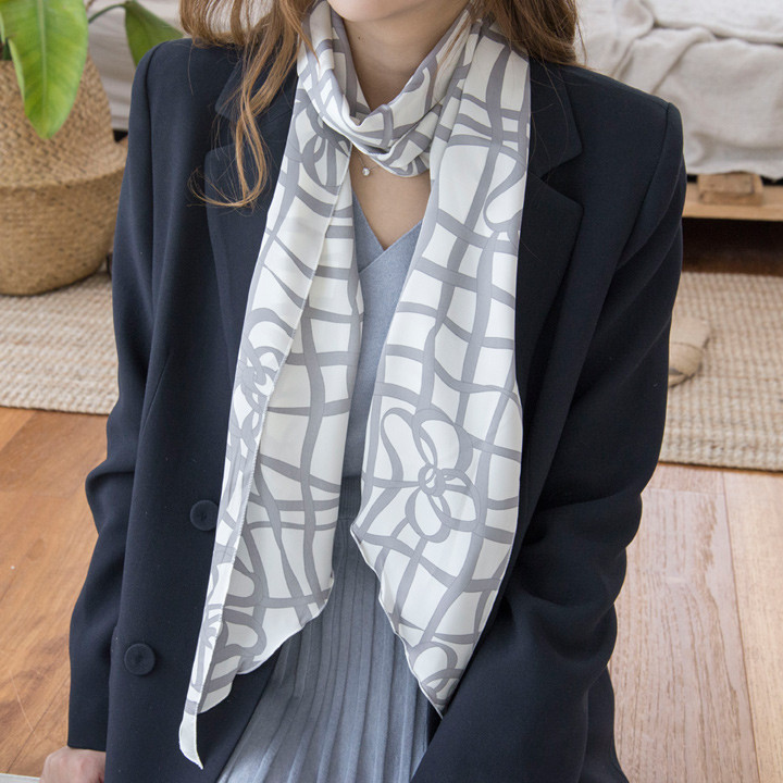 P8435 natural line pattern long scarf